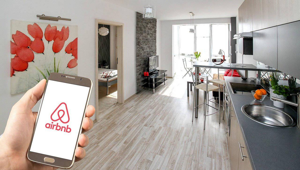Contrôle d'accès : quelles solutions pour les locations de vacances et les espaces de coworking ?